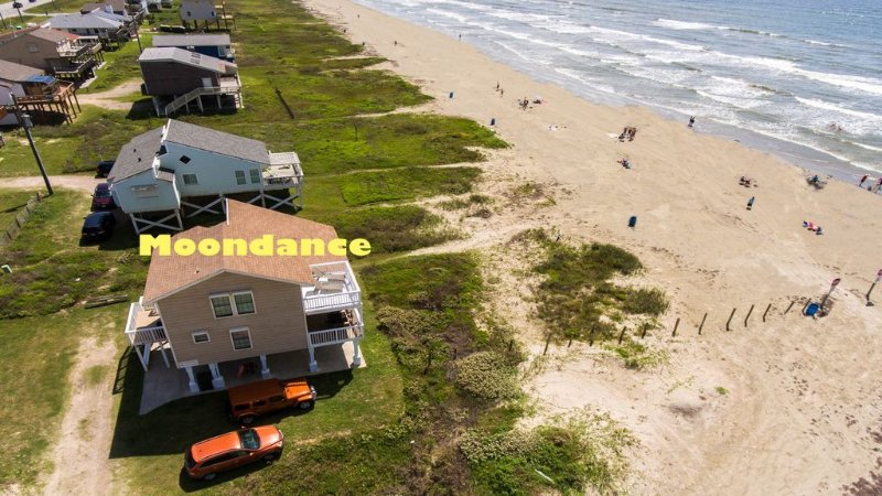 Front Row Beach Home, Your Piece of Paradise, vacation rental in Galveston Island