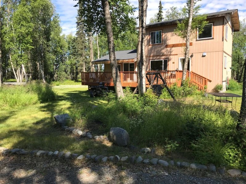 New!! Cozy Cottage, End-Of-Road Quiet, Woods, Piano! Great For Families, holiday rental in Soldotna