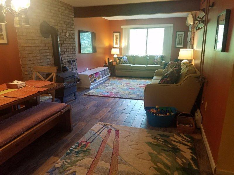 2 Bedroom 2 bath condo, aluguéis de temporada em Bartlett