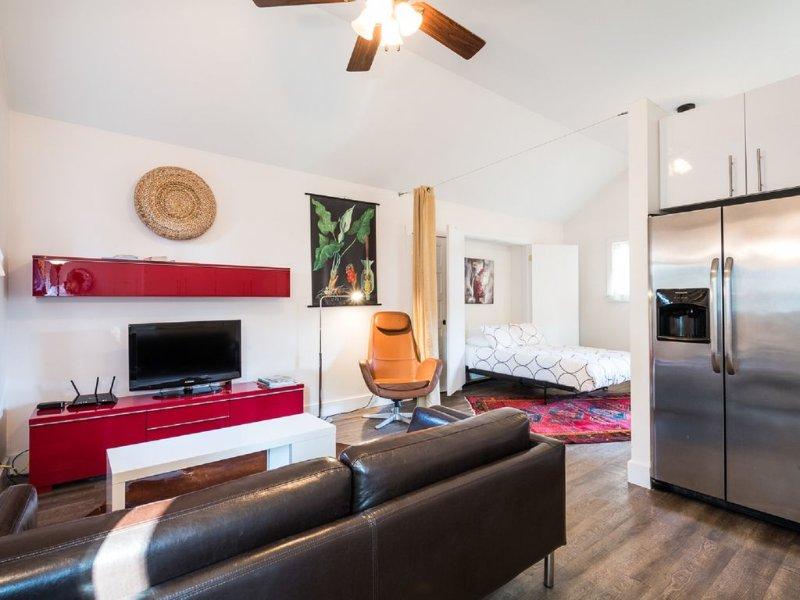 Cozy Meets Modern Near Shem Creek - Close to Beaches and Downtown, aluguéis de temporada em Mount Pleasant