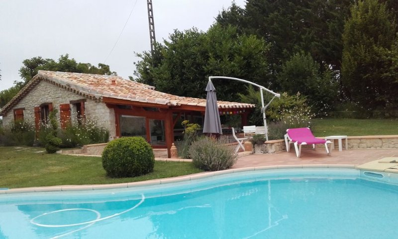 Petite maison independante avec piscine, vacation rental in Lauzerte