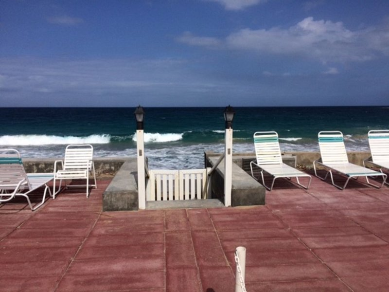 Paradise on The Beach, vacation rental in Basseterre