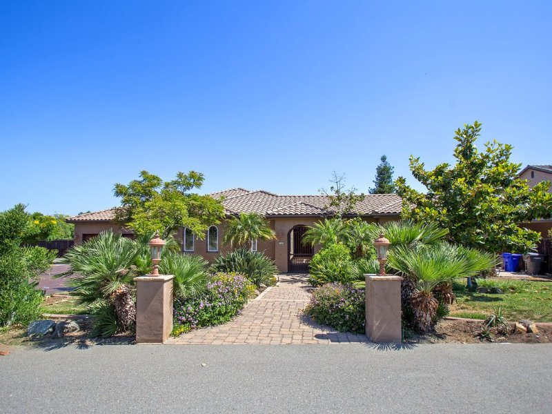 Tuscan Style Close To Theme Parks, Ocean, Golf, Large Private Back Yard/ Video!, location de vacances à Vista