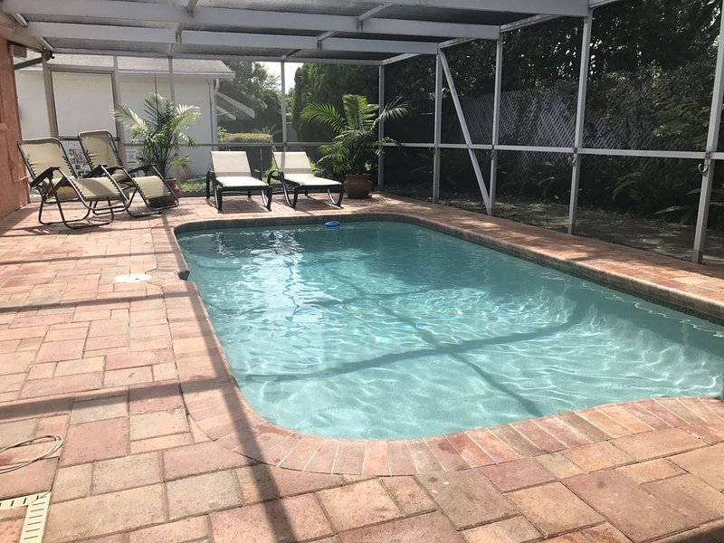 2 Bedroom Home With a Swimming Pool, holiday rental in Trinity