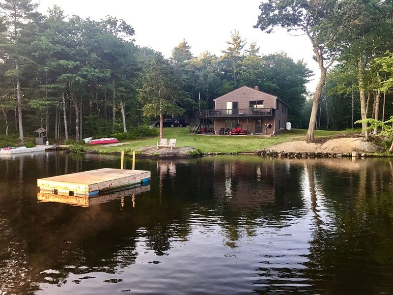 Ultimate lakefront getaway, location de vacances à Barrington