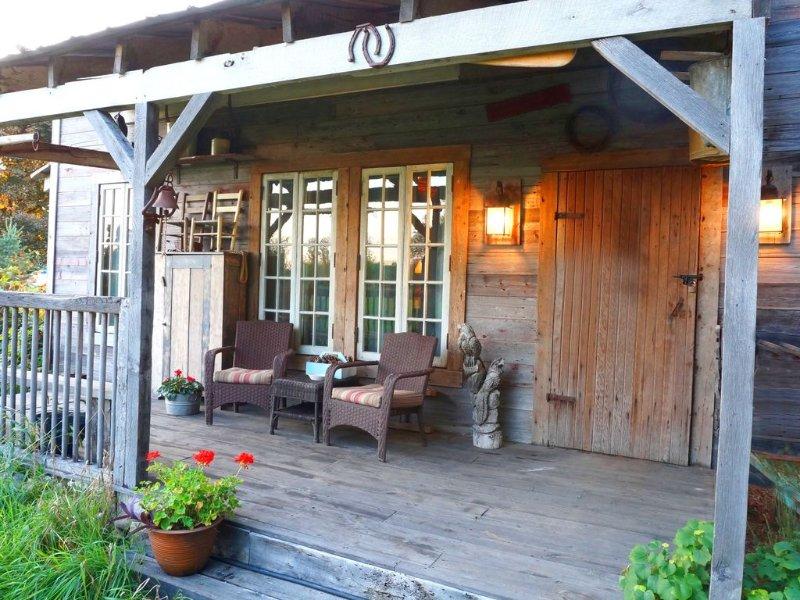 Cabin rental near Cedar Point, Lake Erie, with Hot Tub, Campfire Pit, Gas Grill, casa vacanza a Bellevue