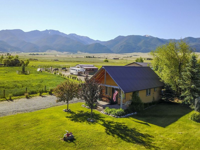 Adorable Montana Country Cabin, location de vacances à Sheridan