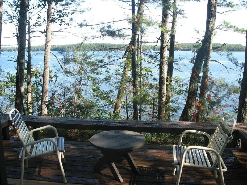 Lake Cabin On Round Lake Wisconsin, casa vacanza a Hayward