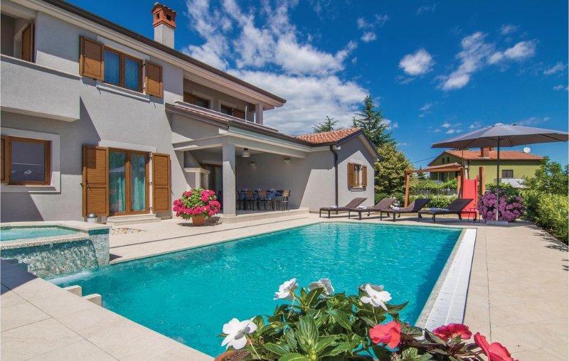 4 bedroom accommodation in Trosti, holiday rental in Beram