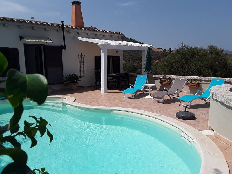 PROMO !! maison  vue mer, Tavolara,  piscine privée, free Wifi���⛵️�, vacation rental in San Teodoro