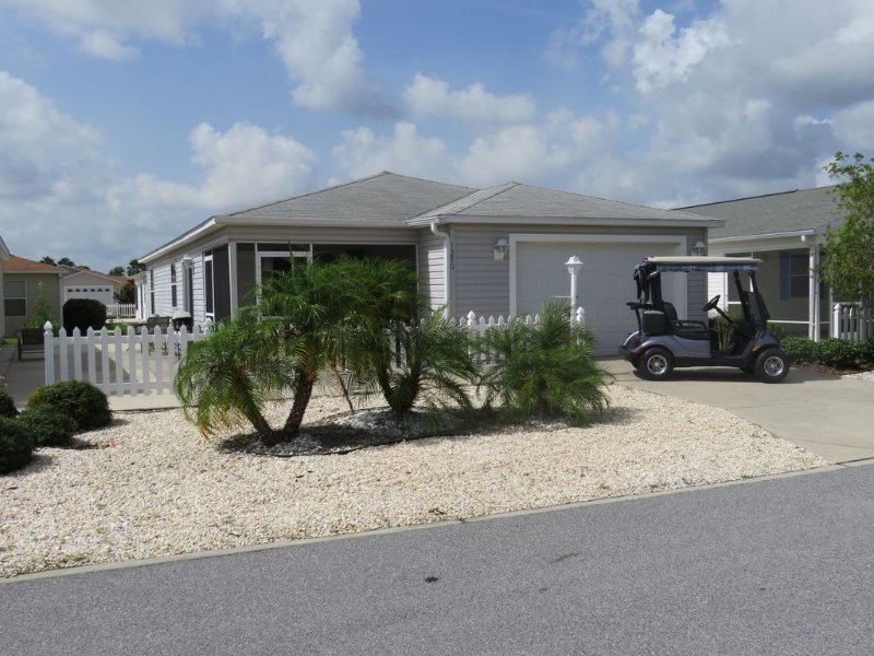 Patio Villa in Duval Village -  *** Gas Golf Cart INCLUDED ***, Ferienwohnung in Wildwood