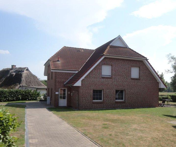 Komfortable  2-Zimmer *** - Wohnung im Obergeschoss eines Landhauses, holiday rental in Lieschow