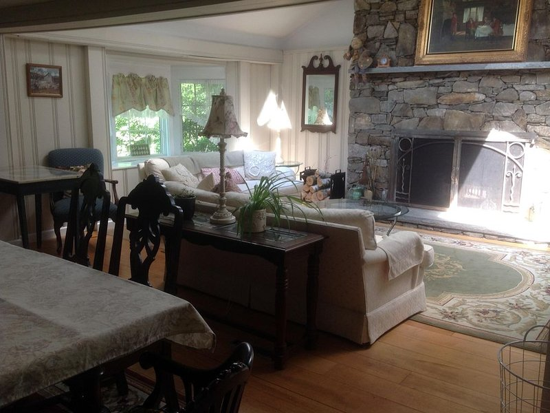 Historic Warren/Kent Home, holiday rental in Bethlehem