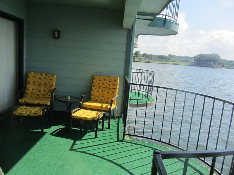 Fish From Over The Water- One Bedroom #142, vacation rental in Willis