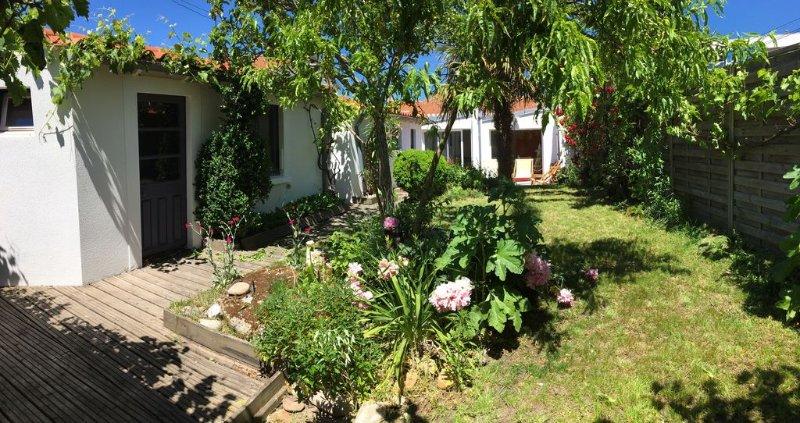 Maison avec jardin proche de la plage, location de vacances à Les Sables d'Olonne