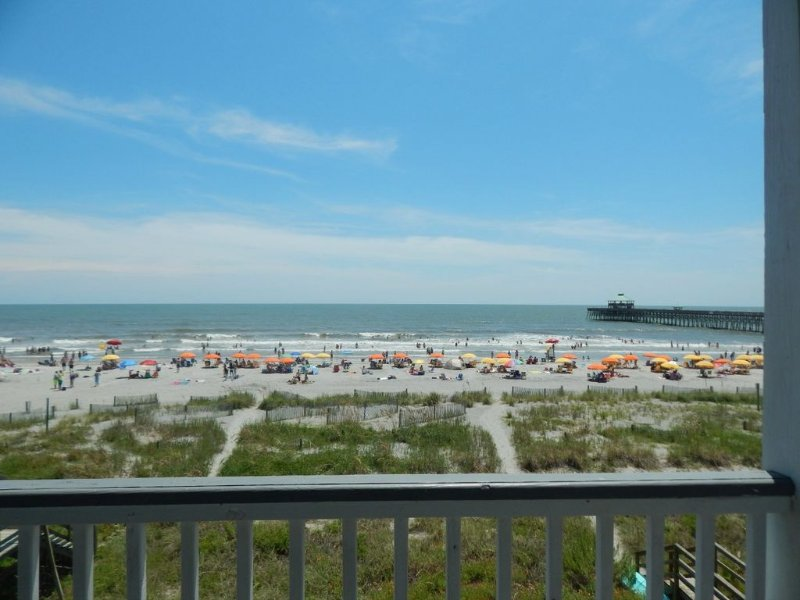 2 Delightful, Beach Chic, Newly Renovated, holiday rental in Folly Beach