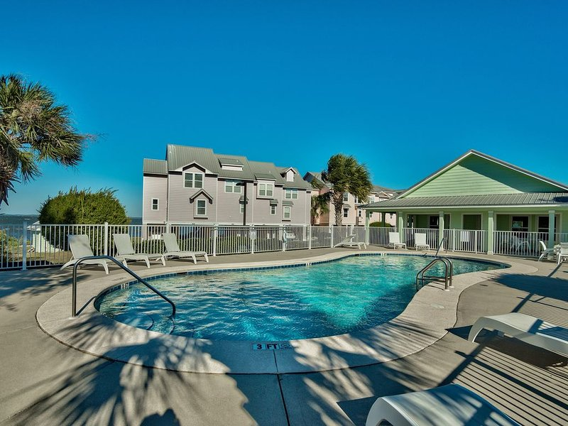 'Perdido Baywatch' on beautiful Perdido Bay at Innerarity Point with LOW RATES, holiday rental in Lillian