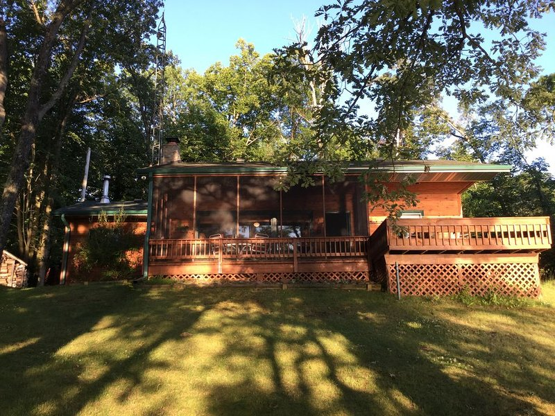 A True Northwood's Cabin Experience!, vacation rental in Birchwood