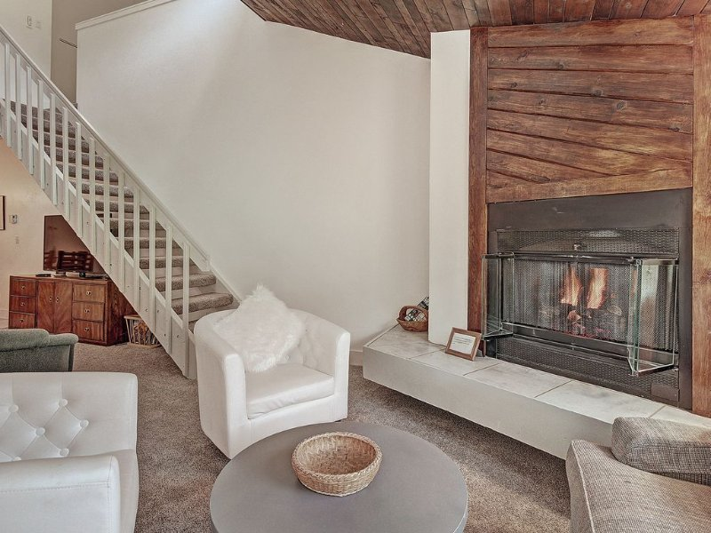 FP304 Newly Remodeled Ski In/Out Right By The Lift, alquiler de vacaciones en Copper Mountain