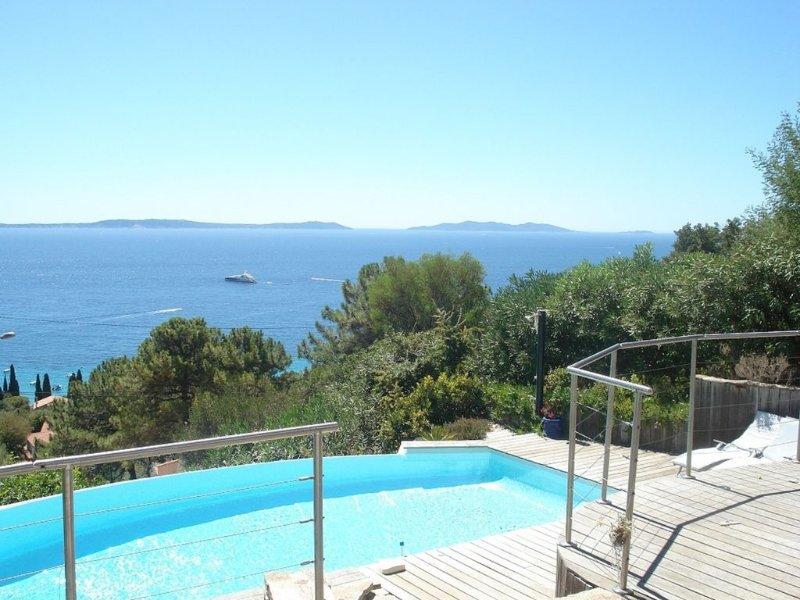 SUPERBE VUE SUR LES ÎLES D'OR ENTRE CIEL ET MER, casa vacanza a Rayol-Canadel-sur-Mer