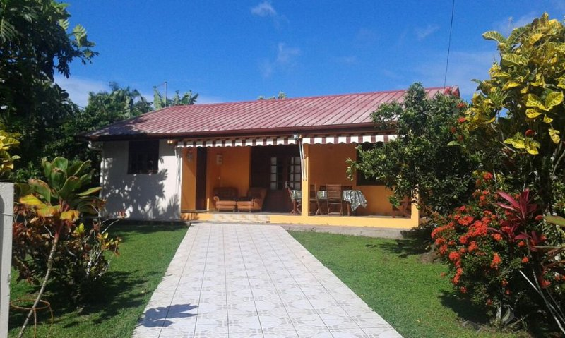 Villa 'KAY MALOUZ' Saint-Joseph Martinique, holiday rental in Saint-Joseph