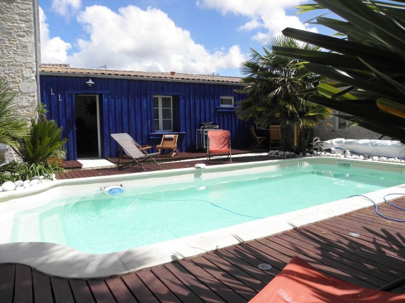Nest with terrace and pool Oléron, vacation rental in Charente-Maritime