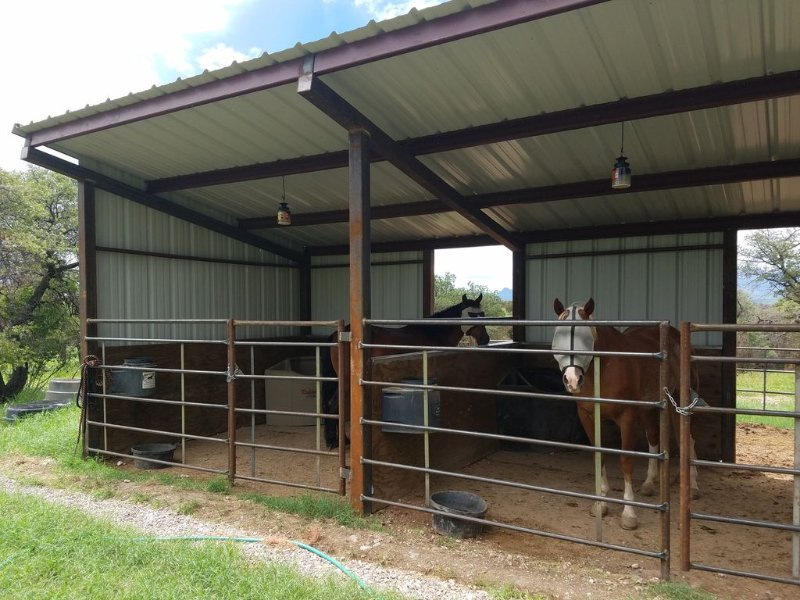 New horse shed for folks interested in bringing their horses to Sonoita.