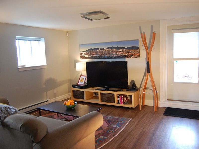 Parkside Apartment in a beautiful Vancouver Neighbourhood for monthly rentals, vakantiewoning in Vancouver