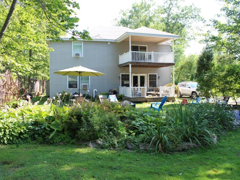 ★ Perfect For Families ★ Walk to Bemus Pt. | Lake Access | Close to Ski Resorts, vacation rental in Chautauqua County