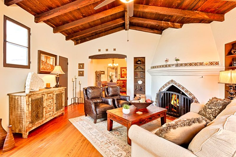 Spanish Style Home, Great Amenities, Walk to Beach, Pier + All, vacation rental in San Onofre