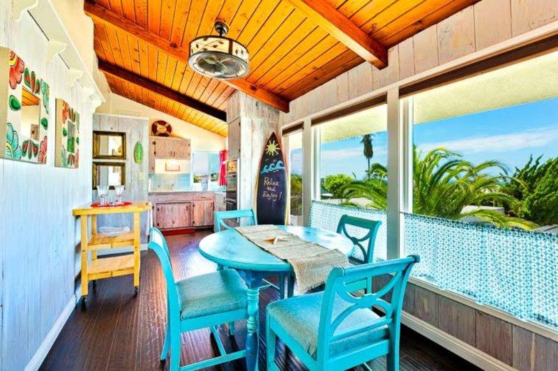Beach Cottage w/ Peek-a-Boo Ocean View, Walk to Water + A/C, alquiler de vacaciones en San Clemente