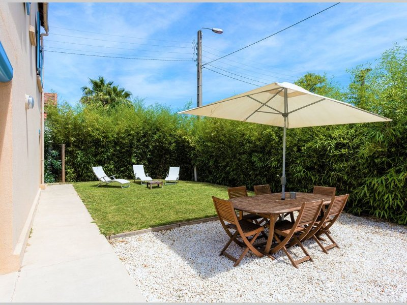 Villa 4 chambres climatisation, 2 salles de bains, proche centre ville et plages, holiday rental in Montpellier