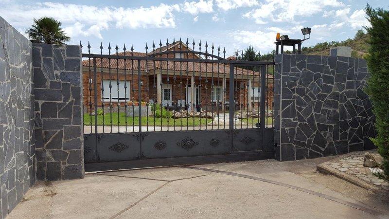 Casa de campo a 7 Km. de Logroño para disfrutar en familia de la Rioja . – semesterbostad i La Rioja