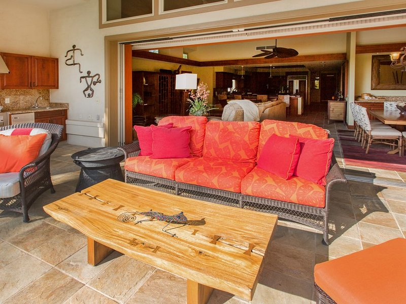 Relax and unwind in your Stunning private Hawaiian home.