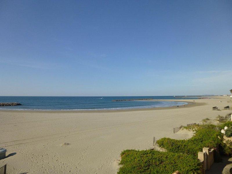 Bel appartement  première  ligne, face à la mer., holiday rental in Mauguio