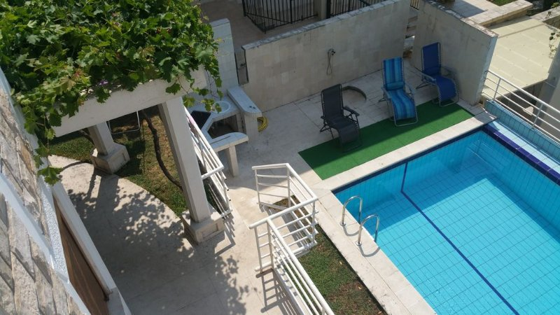 Luxury Stone House With Private Pool - Authentic Mediterranean House, vacation rental in Budva Municipality
