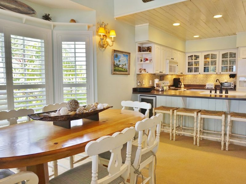 Dining Room overlooking the Kitchen