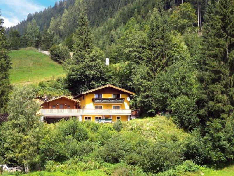 Ferienwohnung mit Sauna am Waldrand, holiday rental in Untertauern