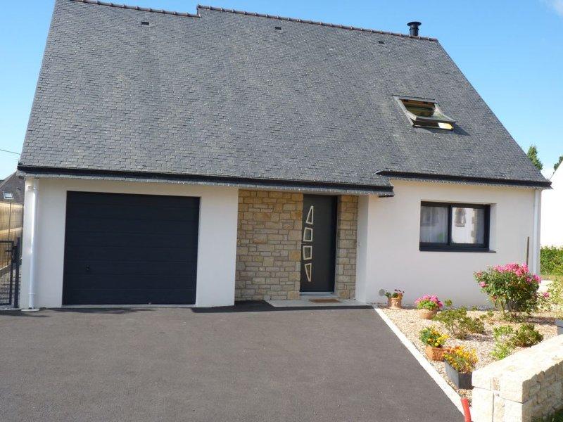 Carnac - Close to beach and shops - New house - 3 bedrooms, location de vacances à Morbihan