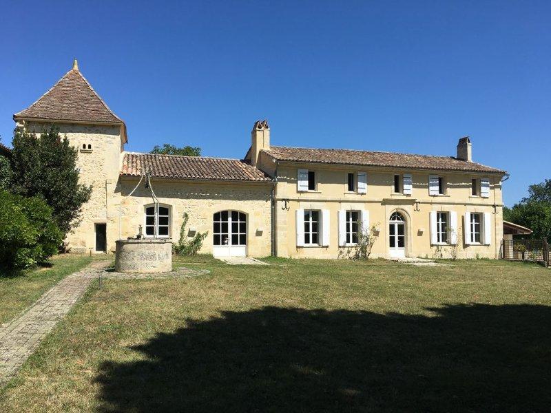 Family House 15 Min From St Emilion, alquiler vacacional en Naujan-et-Postiac