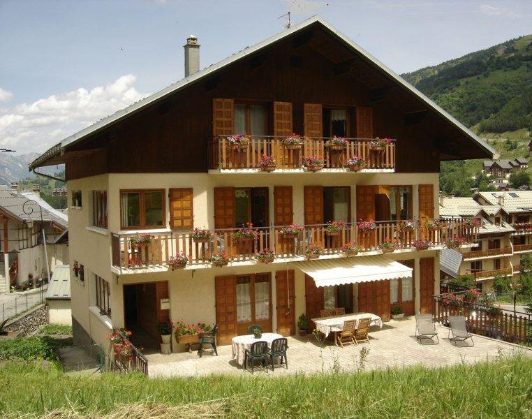Chez Riton app.3 pers. 3*** au calme, proche des commerces, au pied des pistes, location de vacances à Valloire