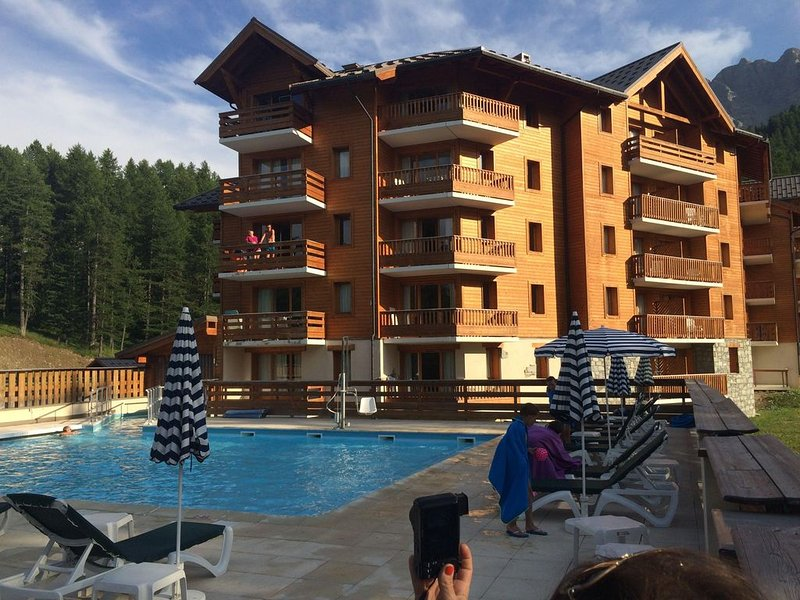 Vars Les Claux beautiful Apart. 2 c. 6 beds at the foot of the slopes heated po, alquiler vacacional en Vars