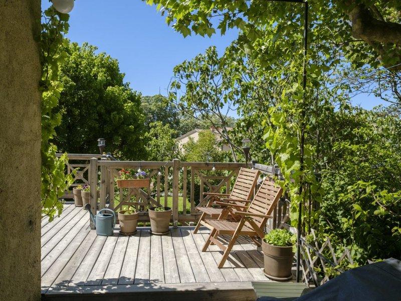 Grande maison provençale, nord du Lubéron, sur 1500 m2 de terrain, location de vacances à Niozelles