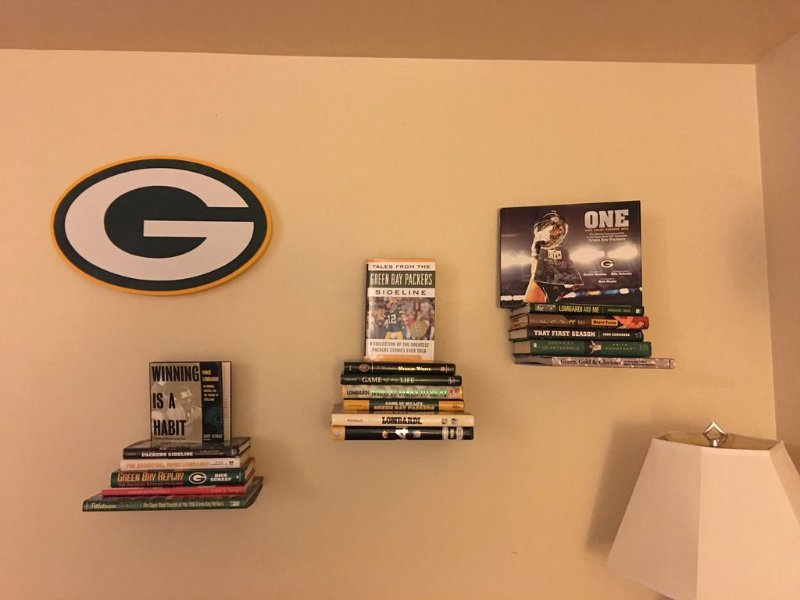 Oneida Packerland 6 min walk to Lambeau; garage for tailgating; park your car, holiday rental in Green Bay