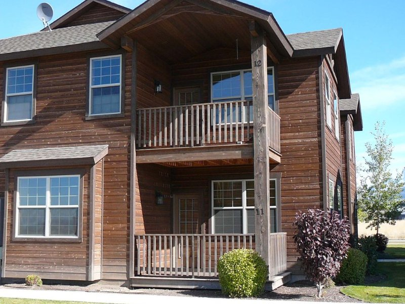 Buffalo Valley 2- Let Your Grand Teton Exploration Begin From Upscale Condo!, holiday rental in Driggs