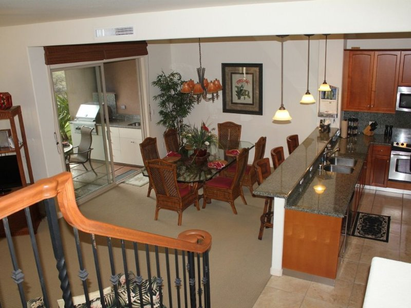 Kitchen & Dining Room Fully Equipped