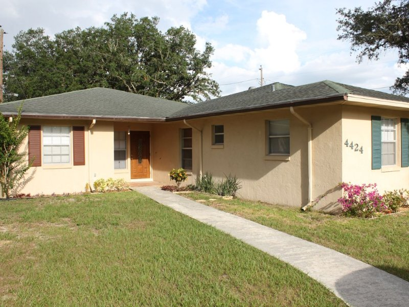 Nicely Remodeled Vacation Home in Sebring, casa vacanza a Sebring