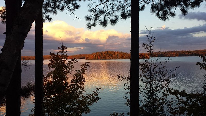 Hayward WI Northwoods retreat for Large Groups, Families, Seniors, Wheelchair, holiday rental in Clam Lake