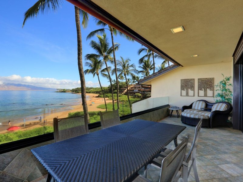 Gorgeous Beach Front Condo - Starting * $612.00/night!! - Makena Surf E-202, aluguéis de temporada em Makena