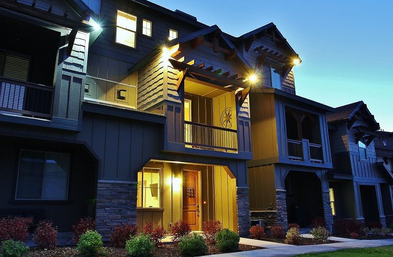 Park City 3.5 Bedroom Condo with Gorgeous Views, holiday rental in Heber City